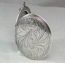Medaillon silber  Medaillon oval in silber - Amulett Schmuck aufklappbar